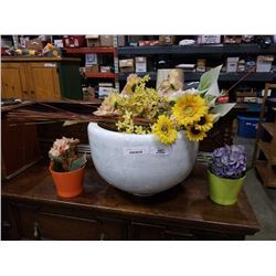 Large porcelain planter with 2 small planters and artificial flowers