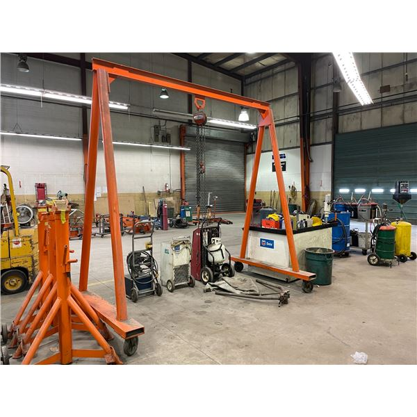 ORANGE METAL W126  SHOP CRANE FRAME WITH JET 1.5 TON CHAIN HOIST