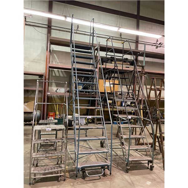 BLUE 15' MOBILE WAREHOUSE STAIR