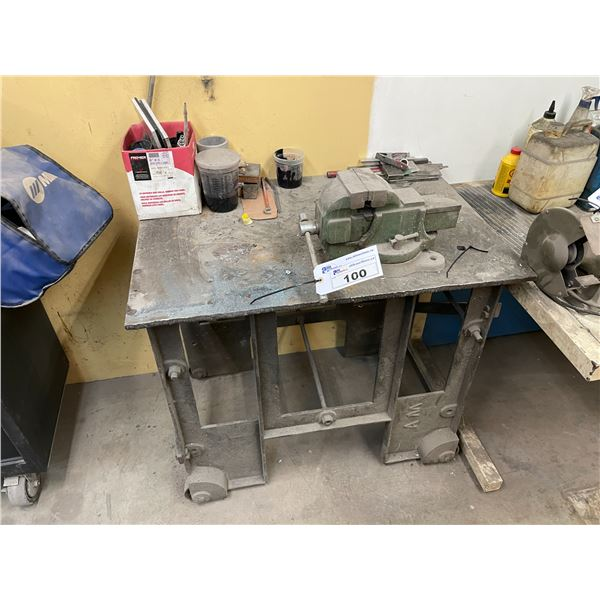 NUMBER 4 VICE, METAL MOBILE WORK TABLE, WHITE METAL WORK TABLE AND REMAINING CONTENTS