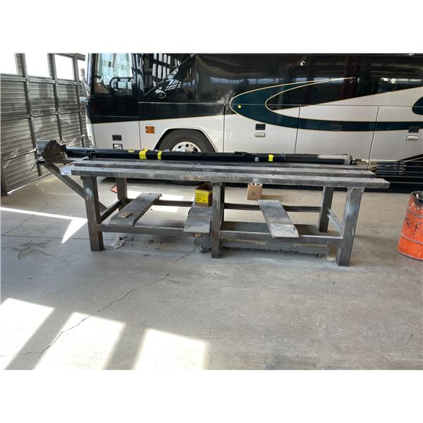 """HEAVY DUTY METAL WELDING TABLE WITH NUMBER 6 VICE W120"""" X D40"""" X H35"""""""
