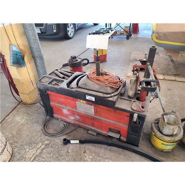 COATS 40-40A POWER PLUS PNEUMATIC TIRE CHANGING MACHINE WITH ACCESSORIES AND WORK LIGHT