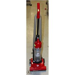 VACUUM DIRT DEVIL UPRIGHT
