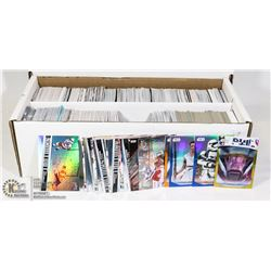 BOX OF MARVEL & STAR WARS COLL. CARDS