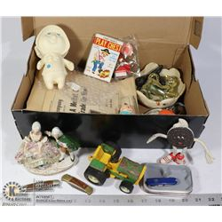 SHOEBOX OF RANDOM VINTAGE ITEMS