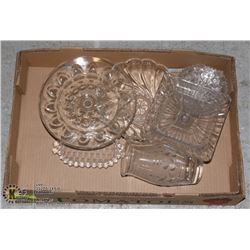 UNCLAIMED FLAT OF GLASS ITEMS