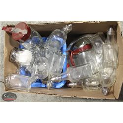 LOT OF ASSORTED TABLE TOP DISPENSERS INCL: VINEGAR