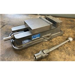 6  Kurt D60 Precision Machine Vise