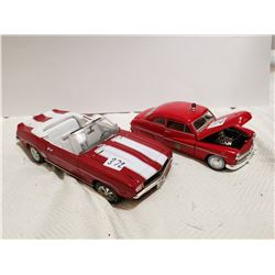 1:18 Chev convertible and 1:24 Fire Chief car