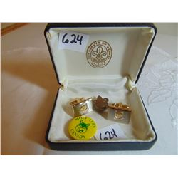 624 VINTAGE CUB SCOUT CUFF LINKS AND PINS