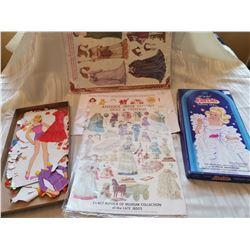 Lot of paper dolls (4)