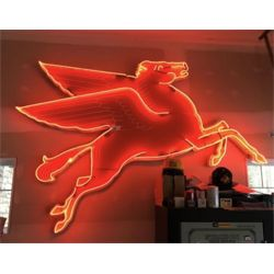 RESERVE LIFTED AND SELLING! BEAUTIFUL 50's/60's VINTAGE NEON/PORCELAIN MOBIL OIL PEGASUS SIGN