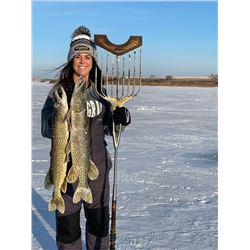 North Dakota Pike Spearing Adventur
