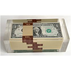 Block of 500 USA $1 Banknotes in Acrylic Holder