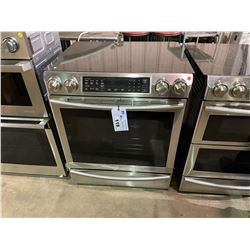 SAMSUNG STAINLESS STEEL 5.8 CU. FT SLIDE-IN INDUCTION RANGE