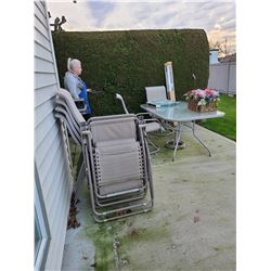 Patio Table with Chairs C