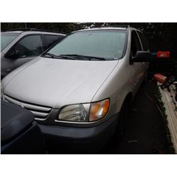 2003 Toyota Sienna