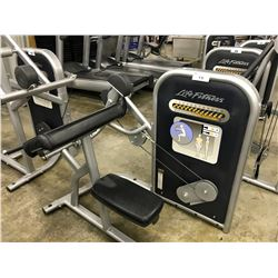 LIFE FITNESS BICEPS CURL STATION