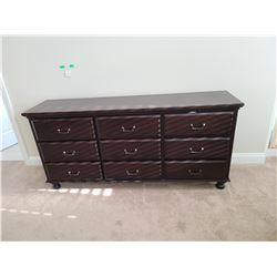Dresser  C