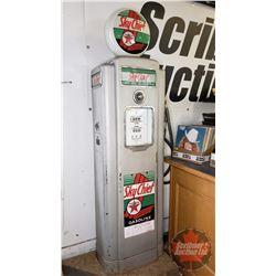 "VINTAGE GAS PUMP ""TEXACO Sky Chief"" Wayne Pump - Original Globe / Signs / Glass (Heavy - Not Gutted)"