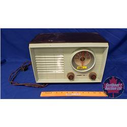 """Stewart-Warner Radio (has plug - untested) (14""""W x 9""""H x 8""""D)"""