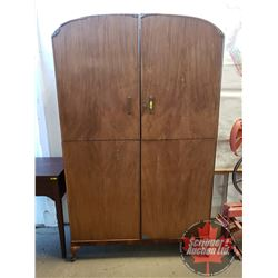 """Large Wardrobe """"handcrafted Quality Furniture"""" """"Guaranteed Handmade by British Craftsman"""" (Note: Int"""