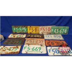 Tray Lot: Variety Sask Lic Plates (13)