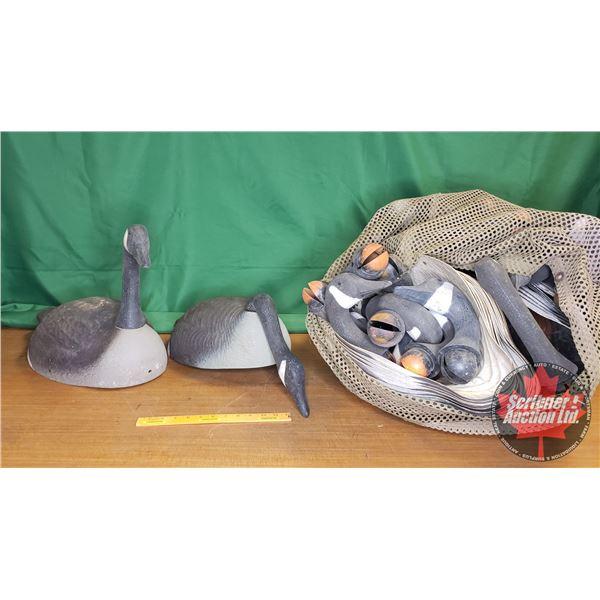 "Goose Decoys in Mesh Bag (55 Bodies & 46 Heads) (20""L)"
