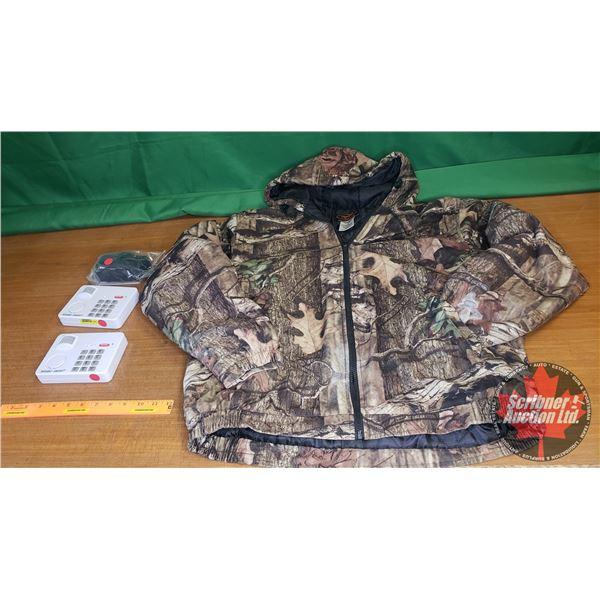 Tray Lot: 2 PIR Motion Sensor Alarms, Regalisi Gun Lock & Yukon Gear Camo Jacket