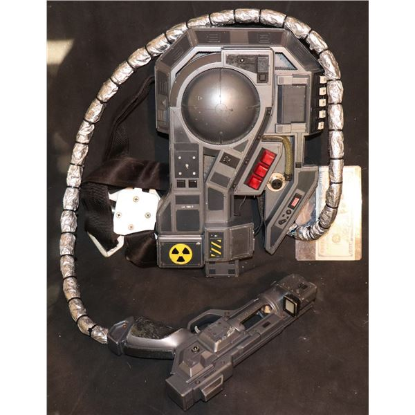 """GHOSTBUSTERS """"LIKE"""" PROTON PACK AND PISTOL GUN PROTOTYPE?"""