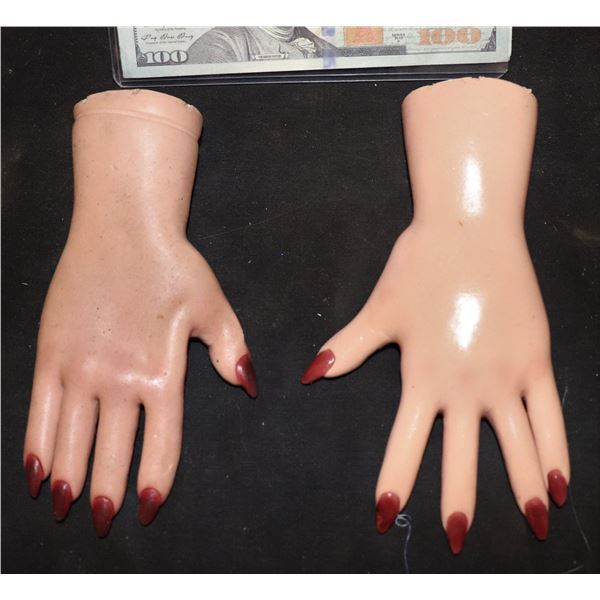SEED OF CHUCKY TIFFANY HANDS SCREEN USED ON ANIMATRONIC PUPPET VERY LAST SET!