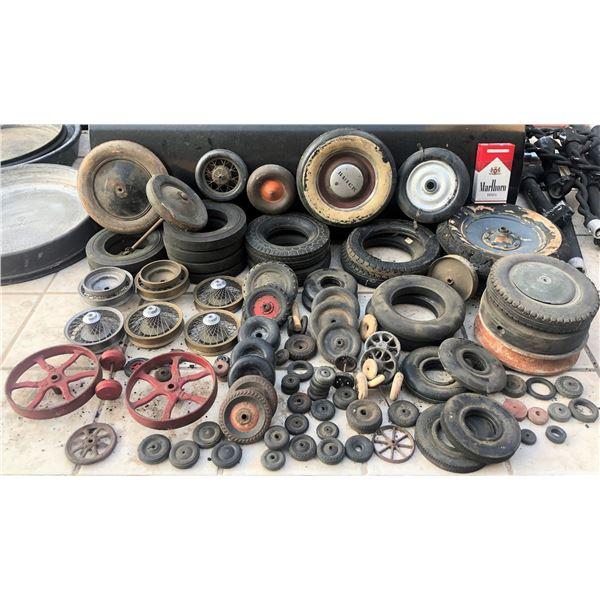 ZZ-CLEARANCE WHEEL AND TIRE HORDE OFF ANTIQUE 30'S - 40'S TOYS