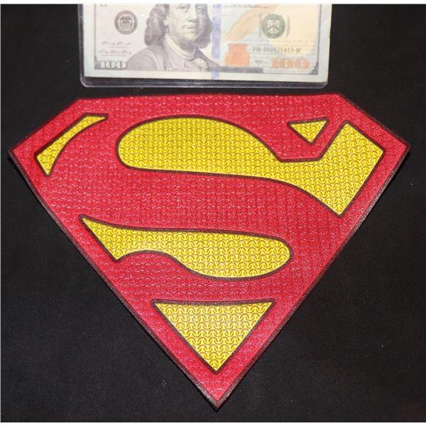 SUPERMAN & LOIS BLACK SUIT CHEST GLYPH