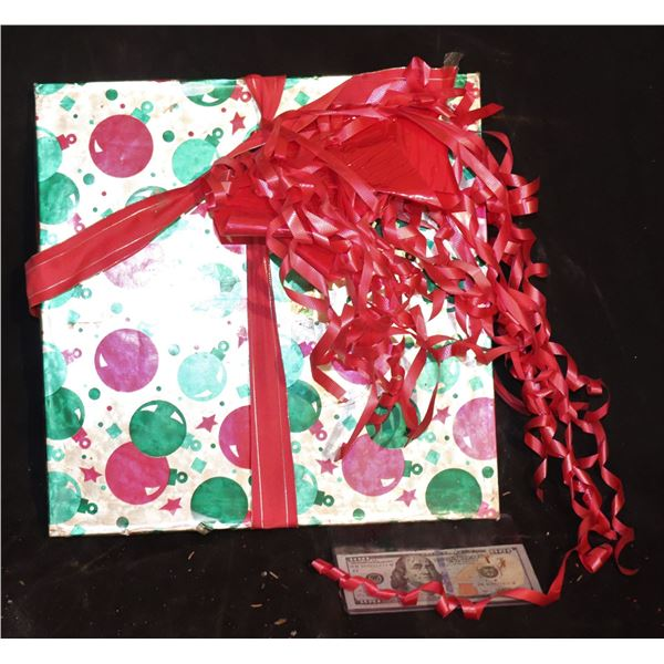 HOW THE GRINCH STOLE CHRISTMAS WRAPPED PRESENT WOOD