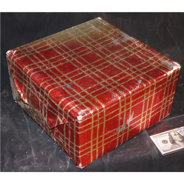 HOW THE GRINCH STOLE CHRISTMAS WRAPPED PRESENT 9