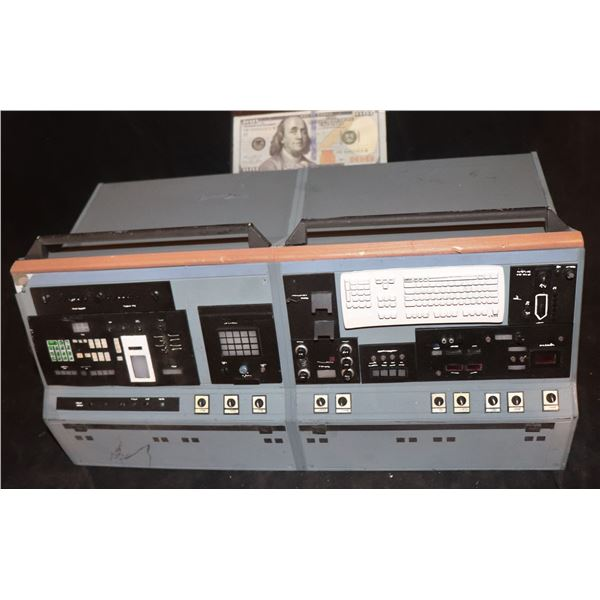 GODZILLA CONTROL ROOM COMPUTER MINIATURE SCREEN USED 1
