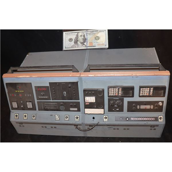 GODZILLA CONTROL ROOM COMPUTER MINIATURE SCREEN USED 2