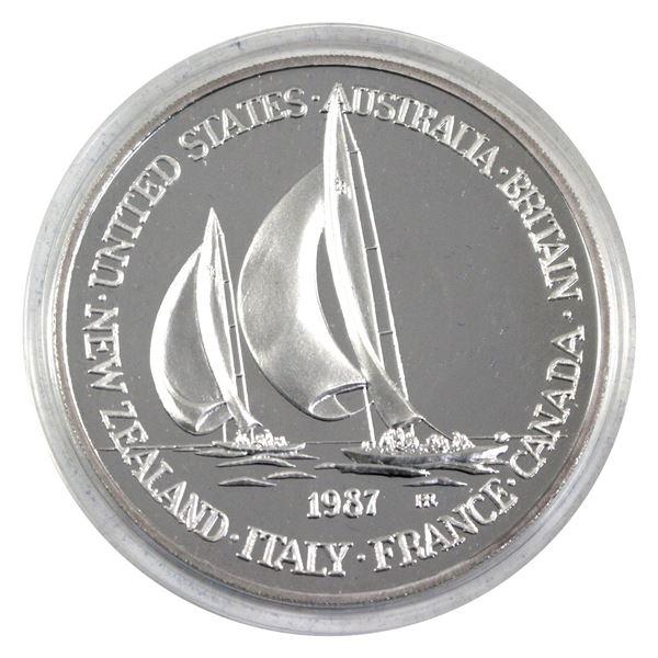 1987 Hutt River Province $100 Commemorative 6oz .999 Fine Silver Medal Encapsulated in Original Blue