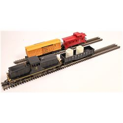 Lionel Diesel Switcher and 3 Cars  [133154]