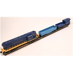 Lionel GP7 Diesel and 2 Cars  [133159]