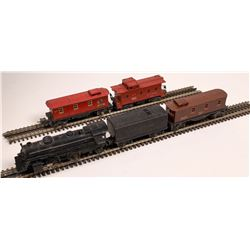 Lionel Locomotive, Tender, and Cabooses  [133018]
