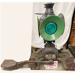 Southern Pacific RR Ground Throw Switch with Four-Lens Dressel Switch Lantern  [133374]