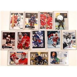 A Dozen Hockey Bubble Gum Cards  [131127]