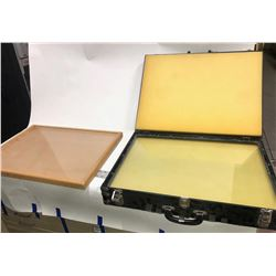 Collector's Folios and Display Goods Group (Used)  [131250]