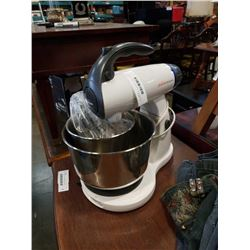 SUNBEAM MIXMASTER WITH 2 BOWLS AND ATTACHMENTS