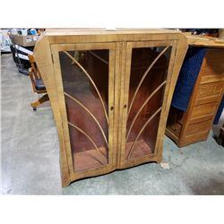 ANTIQUE GLASS DOOR ART DECO DISPLAY CABINET WITH 2 GLASS SHELVES