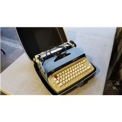 Smith corona electra 110 electric typewriter in case
