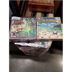 2 NEW BOARD GAMES - AWESOME KINGDOM AND WOLD AND HOUND