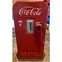 Vintage Coke Cooler model vendo 39 (Working but missing inside carousel)