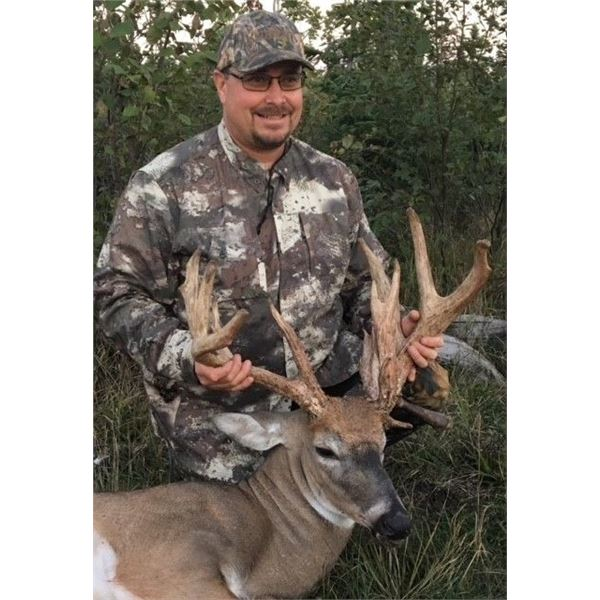 """4 Day Whitetail (161-170"""") Hunt for One Hunter & One Non-Hunter"""